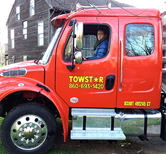 Towing customers in CT 24 hour per day
